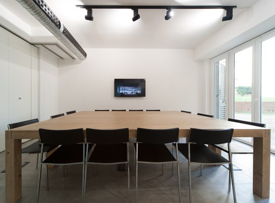 14P Meeting Room
